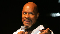 476630-avery-brooks.jpg
