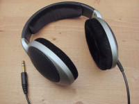 Headphones-Sennheiser-HD555.jpg